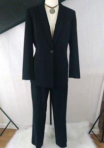 Jones New York 2 Piece Jacket & Pants Suit. 10